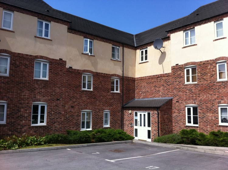 TWO Bedrooms for rent in Farleigh, Sheffield, S2