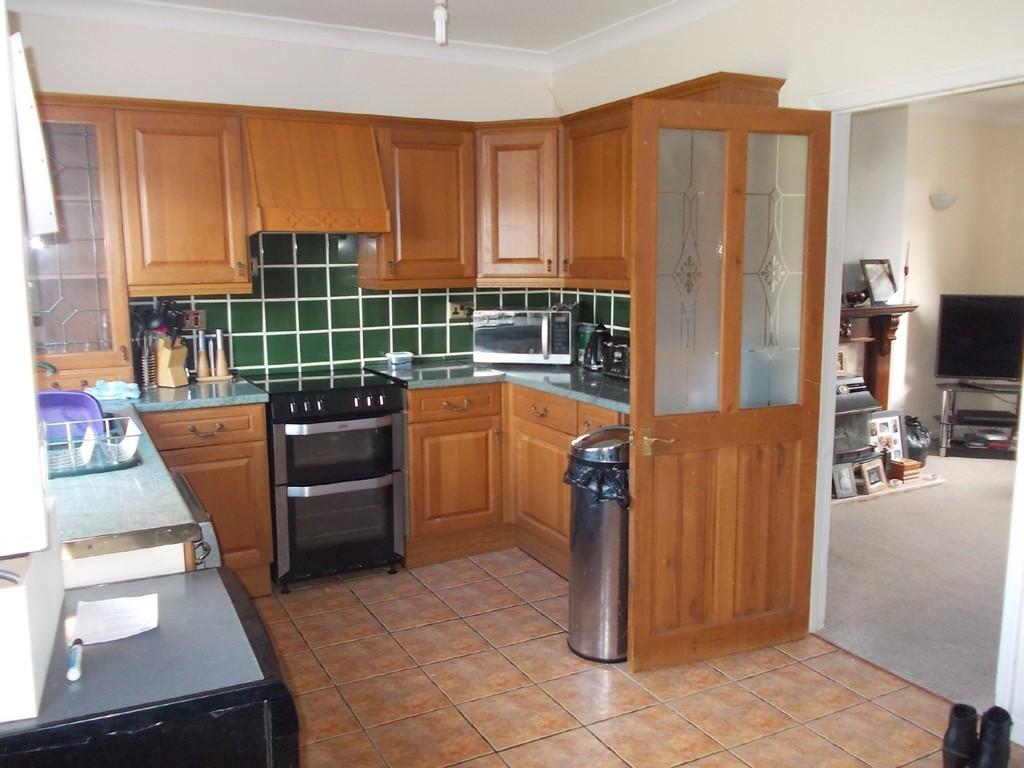 3 BEDROOM SEMI DETACHED for rent in Kilnhurst, Rotherham, S6