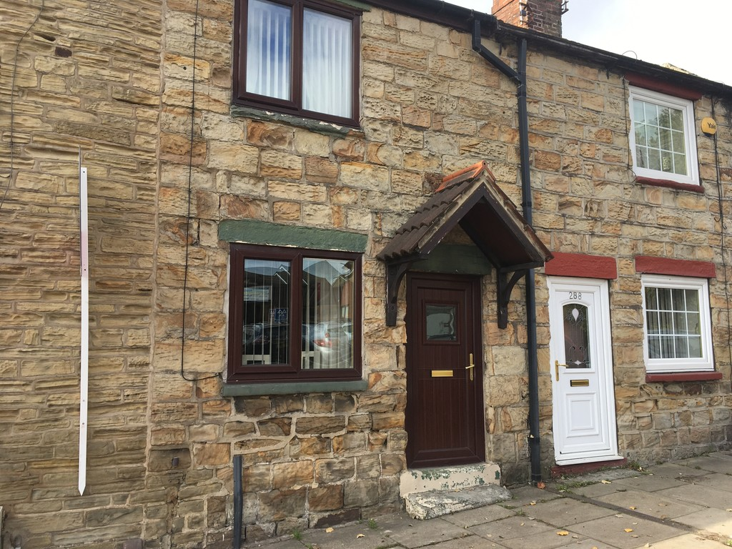 Quaint stone cottage for rent in , Rotherham, S6