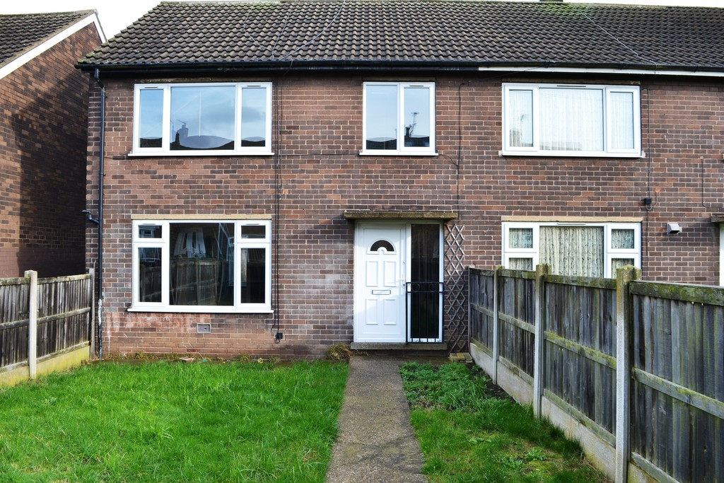 THREE BED END TOWN HOUSE for rent in Maltby, Rotherham, S6