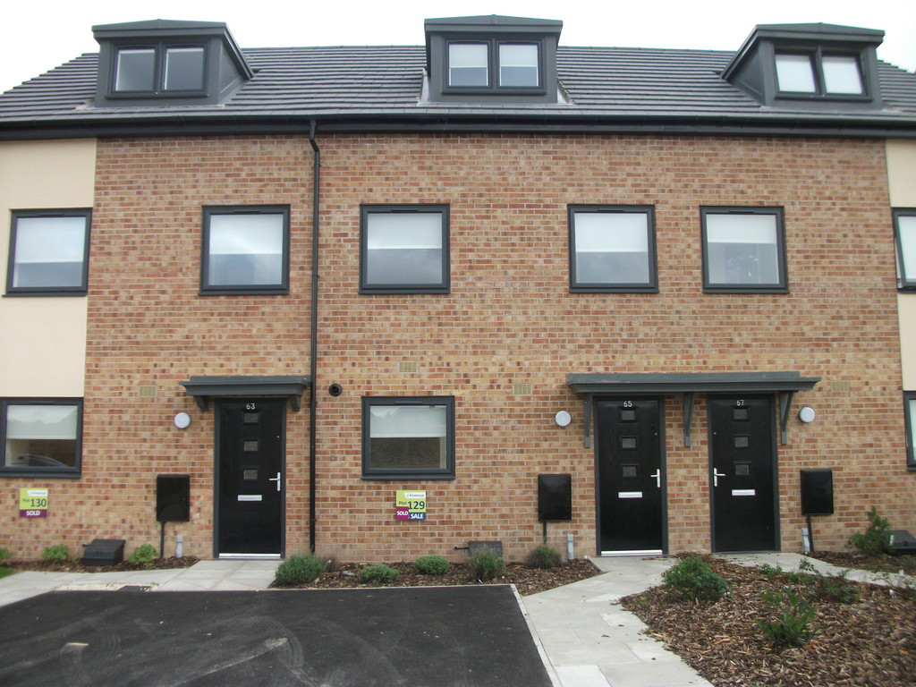 Town House for rent in Thurnscoe, Rotherham, S6