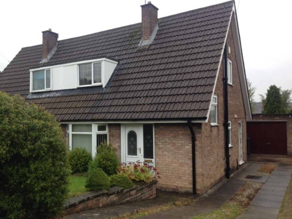 Dorma Bungalow for rent in Chapeltown, Sheffield, S3