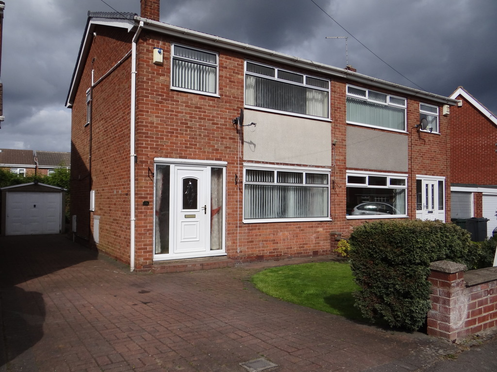 FAMILY HOME  for rent in Anston, Sheffield, S2