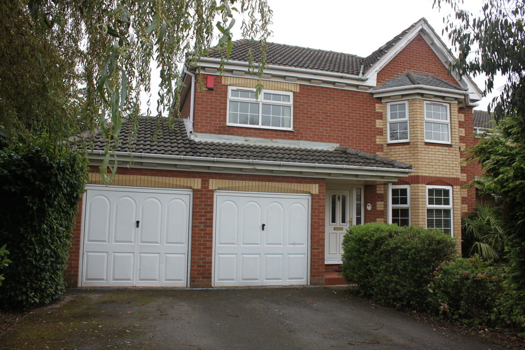 Four Bedroom Detached House for rent in Bramley, Rotherham, S6