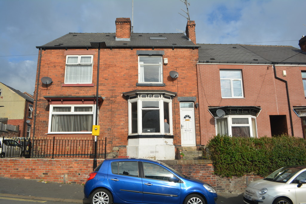 Four Bedroom Terrace Property for rent in , Sheffield, S5