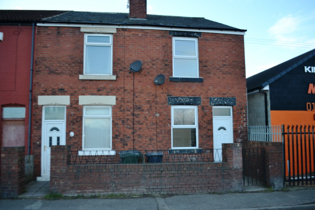 TWO BEDROOM END TERRACED HOUSE for rent in Kilnhurst, Mexborough, S6
