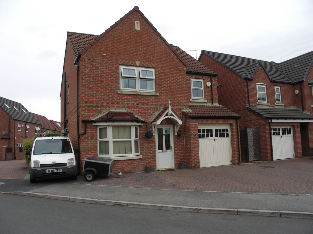 Four Bed Detached House for sale in Kilnhurst, Rotherham, S6