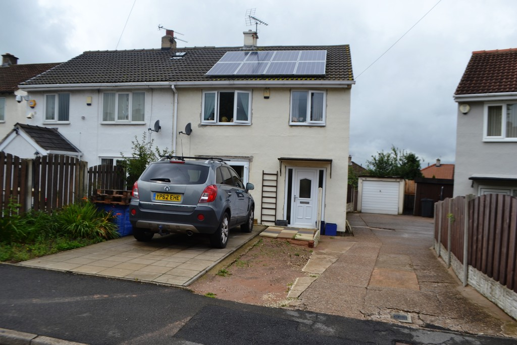 Detached Garage for rent in Bolton-Upon-Dearne, Rotherham, S6