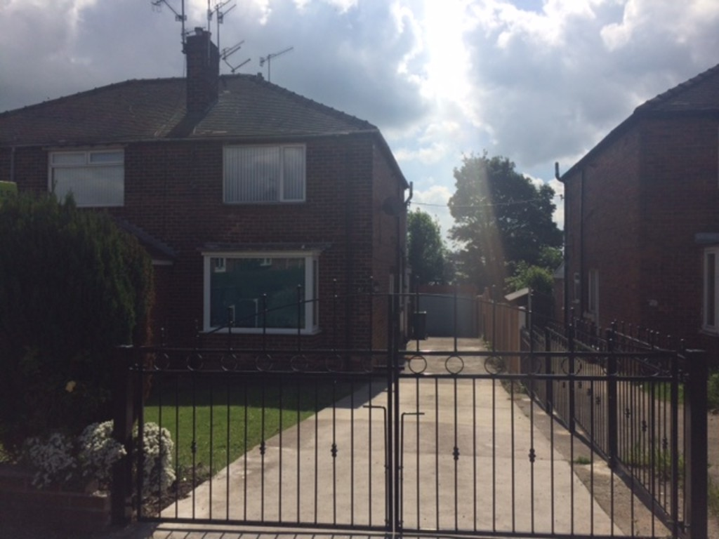 Two Bedroom Semi detached House for rent in Whiston, Rotherham, S6