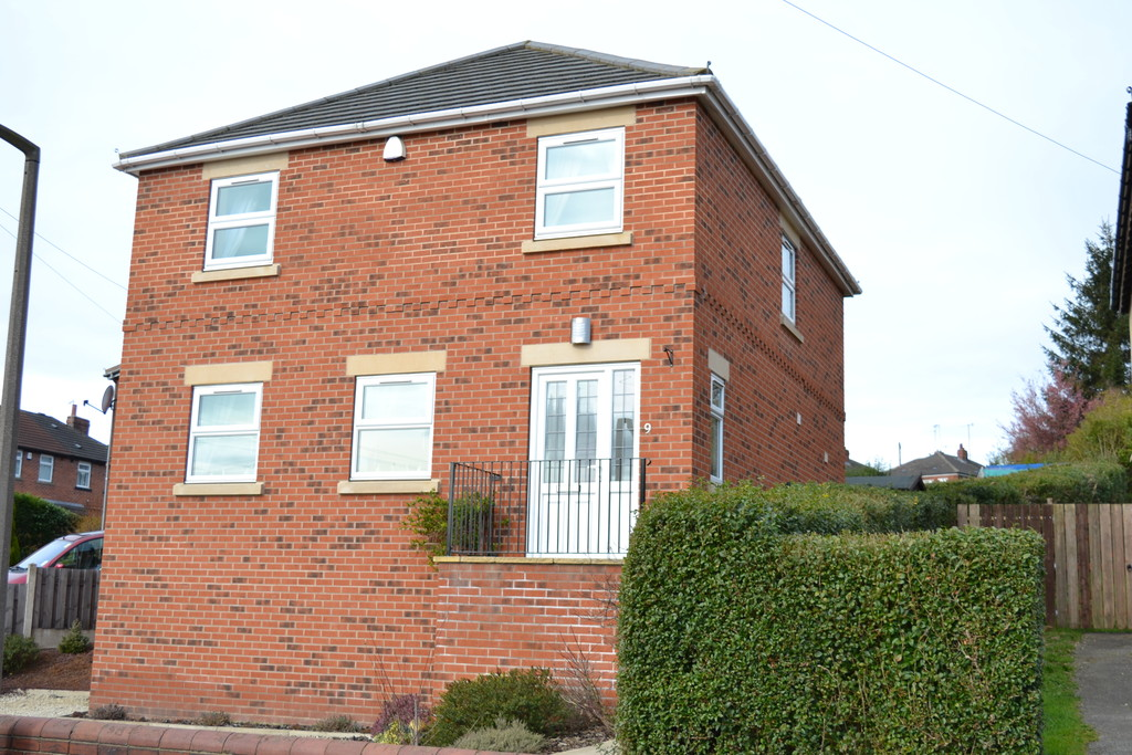 Three Bedroom Detached House for rent in Whiston, Rotherham, S6