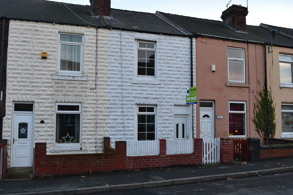 Two Bedroom Mid Terraced House for sale in Bolton-Upon-Dearne, Rotherham, S6