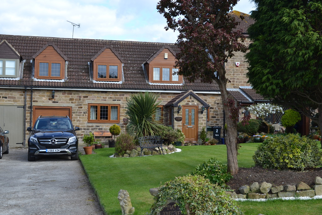 Three Bedroom Stone Barn Conversion for rent in Ravenfield, Rotherham, S6