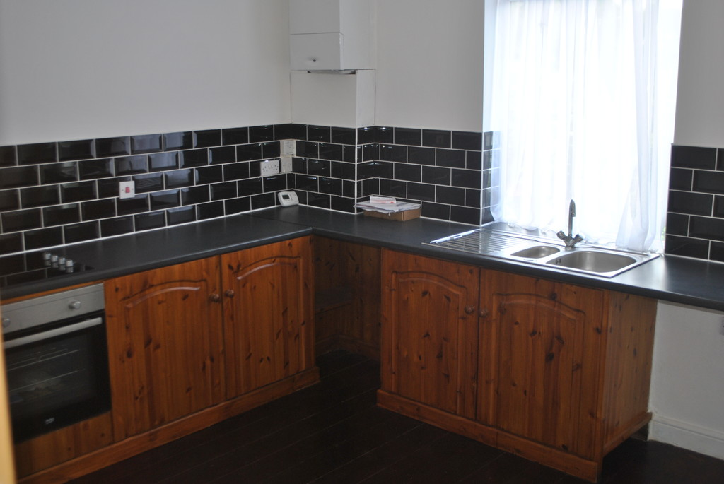 Three bedroom semi-detached property for rent in , Sheffield, S3