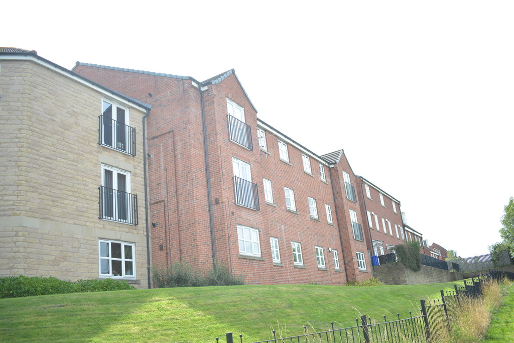 Two Bedroom Apartment for sale in Heeley Bank, Sheffield, S2
