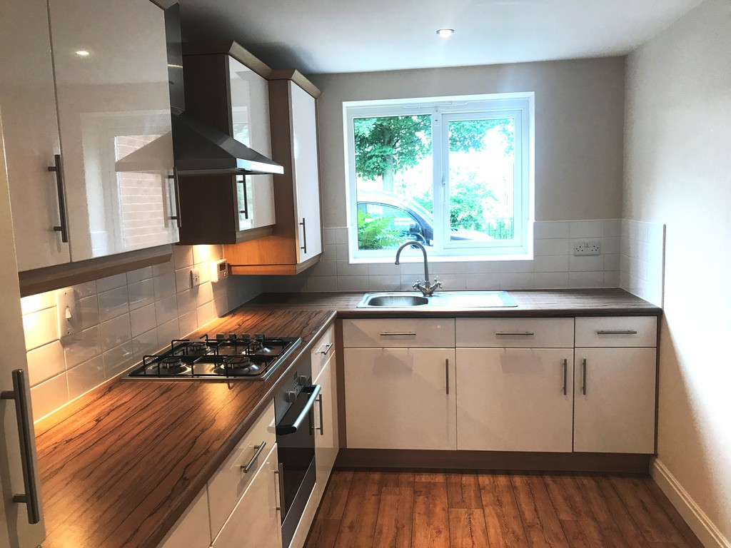 Two double bedrooms for rent in Bramley, Rotherham, S6