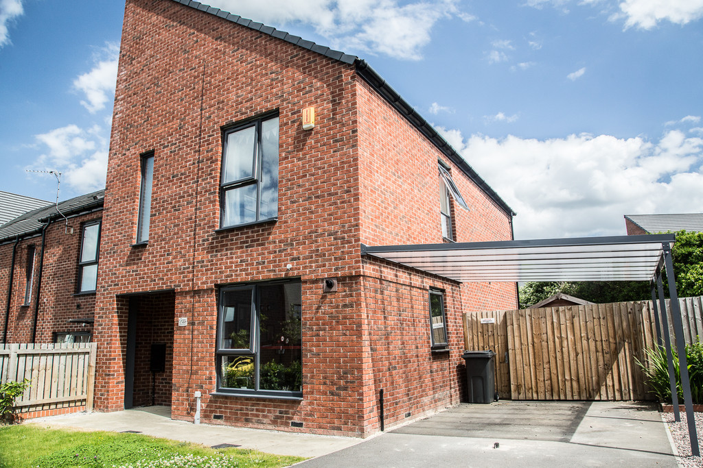 Modern Two Bed Semi Detached for sale in , Sheffield, S5