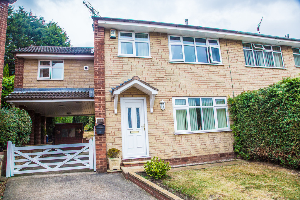Extended Four Bed Semi for sale in Wincobank, Sheffield, S9