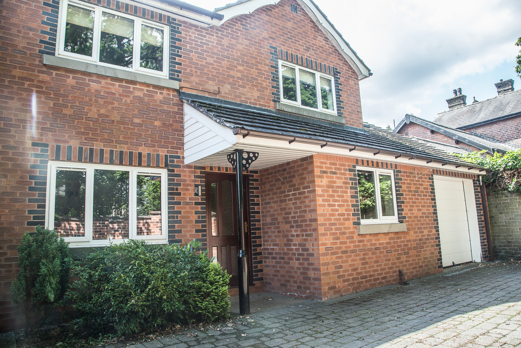 Five Bed Detached House for sale in Chapeltown, Sheffield, S3