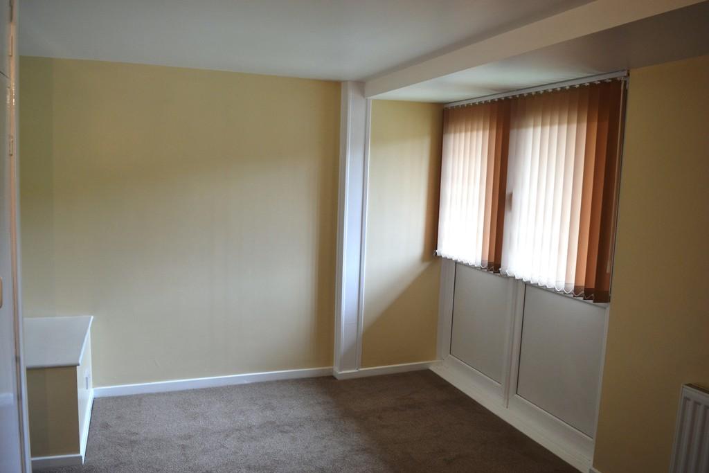 Three Bedroom Ground Floor Maisonette for sale in , Sheffield, S1