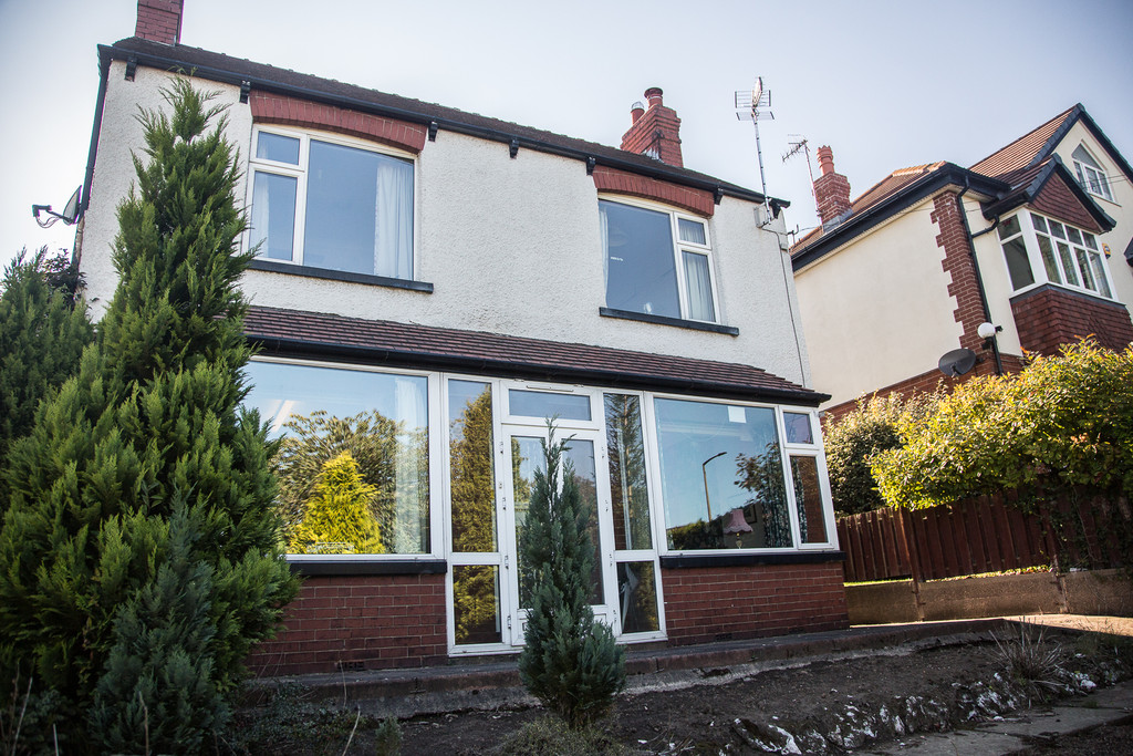 Three Bedroom Detached House for sale in Wickersley, Rotherham, S6