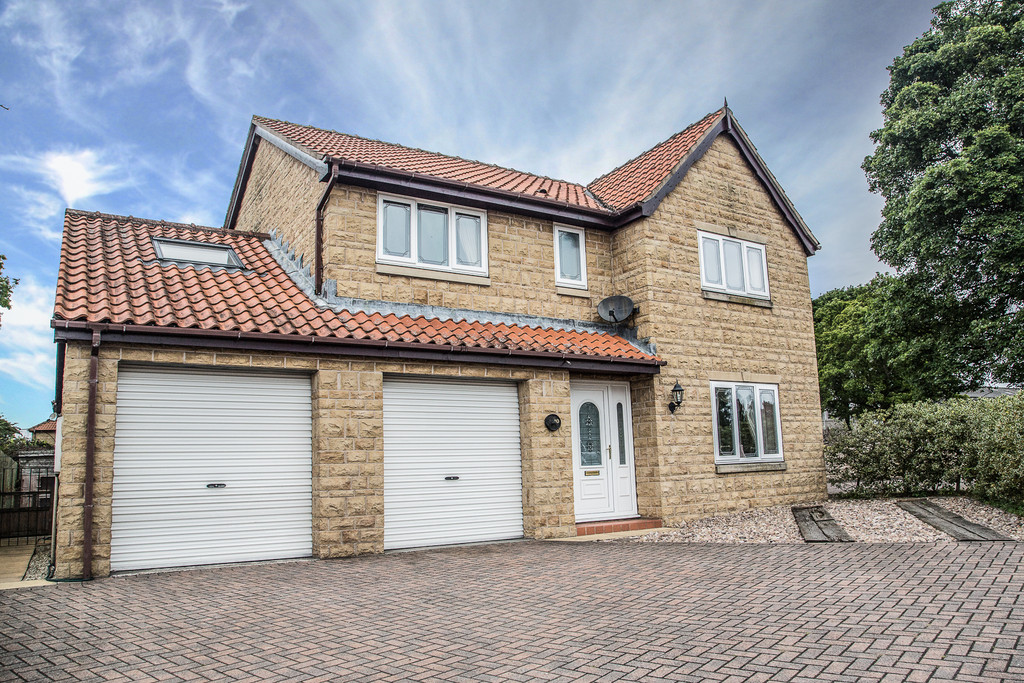 Four Bed Detached House  for sale in Braithwell, Rotherham, S6