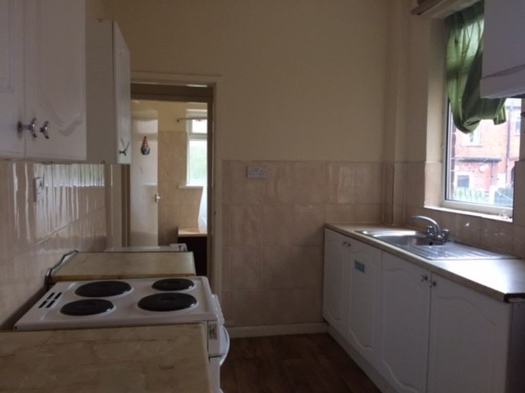 THREE BEDROOMS for rent in Parkgate, Rotherham, S6