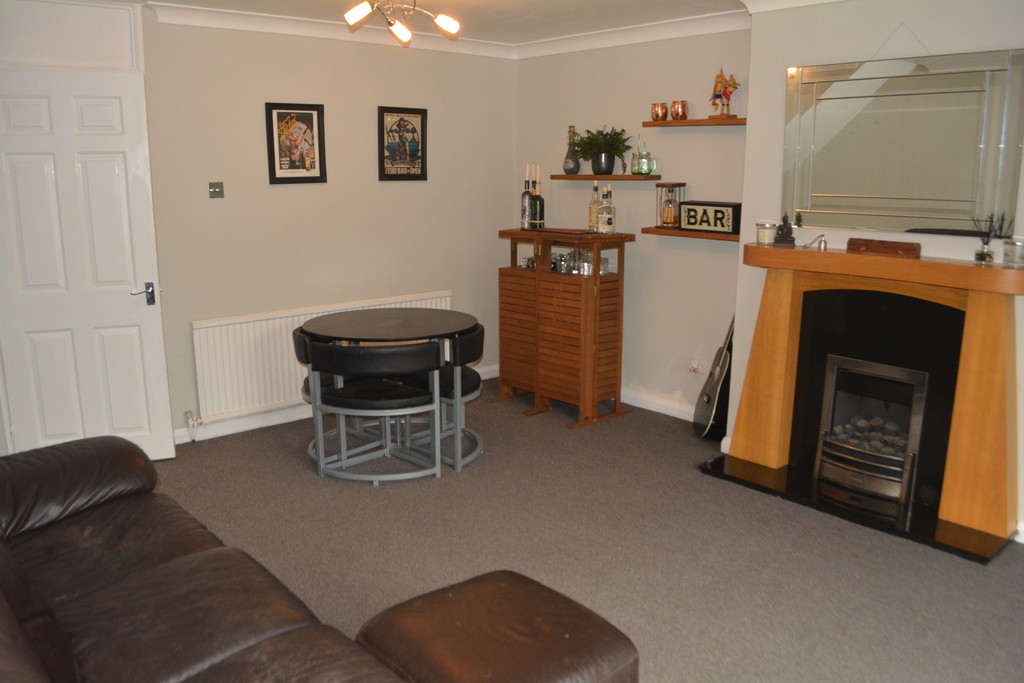 Three Bedroom Townhouse for sale in Gleadless Valley, Sheffield, S1