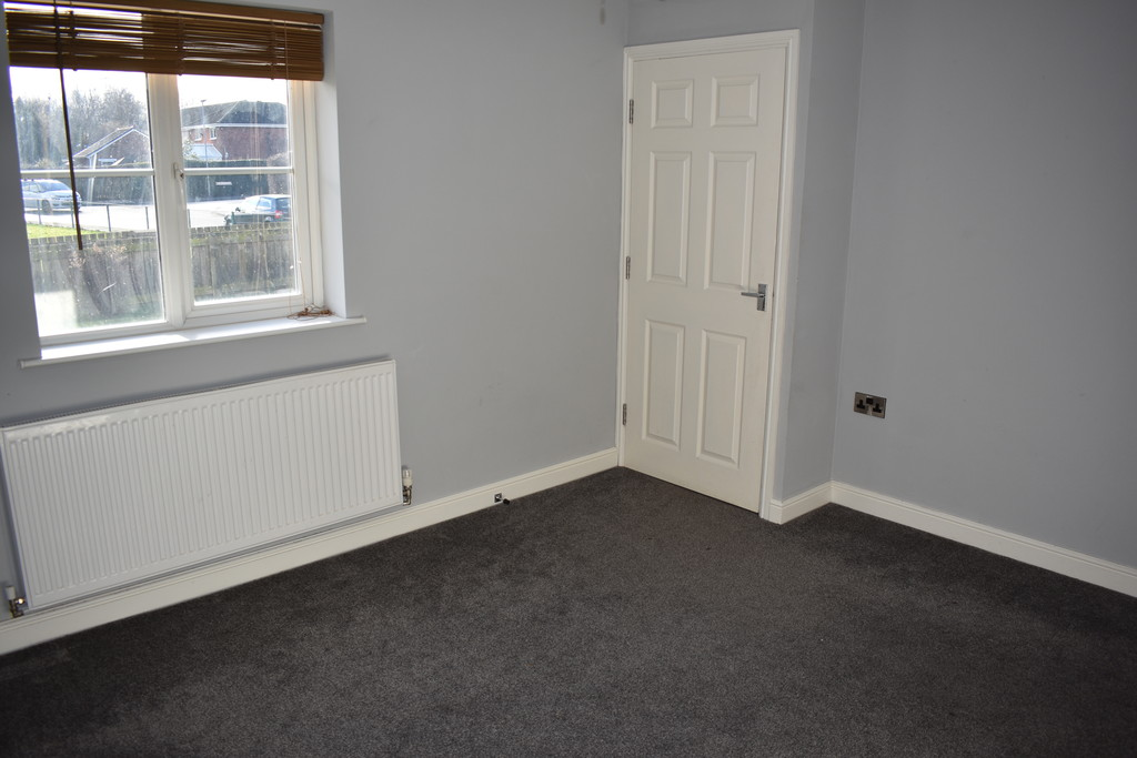 Three Bedroom Townhouse for sale in Royston, Barnsley, S7