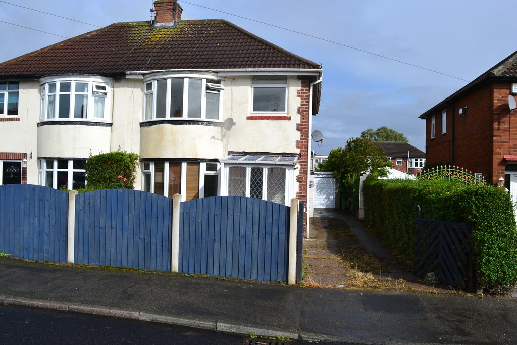 Three Bedroom Bay Fronted Semi Detached House for sale in Hellaby, Rotherham, S6