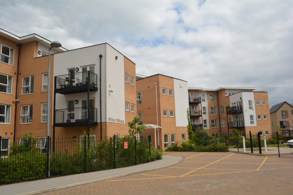 Two Bedroom Apartment for sale in Jordanthorpe, Sheffield, S8