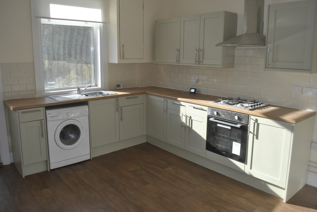 Three Bedroom Mid Terrace for rent in Deepcar, Sheffield, S3