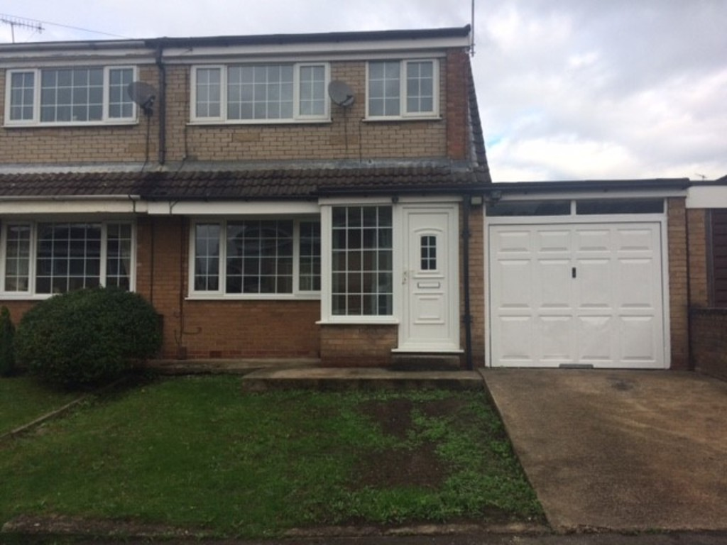 THREE BEDROOMS for rent in , Rotherham, S6