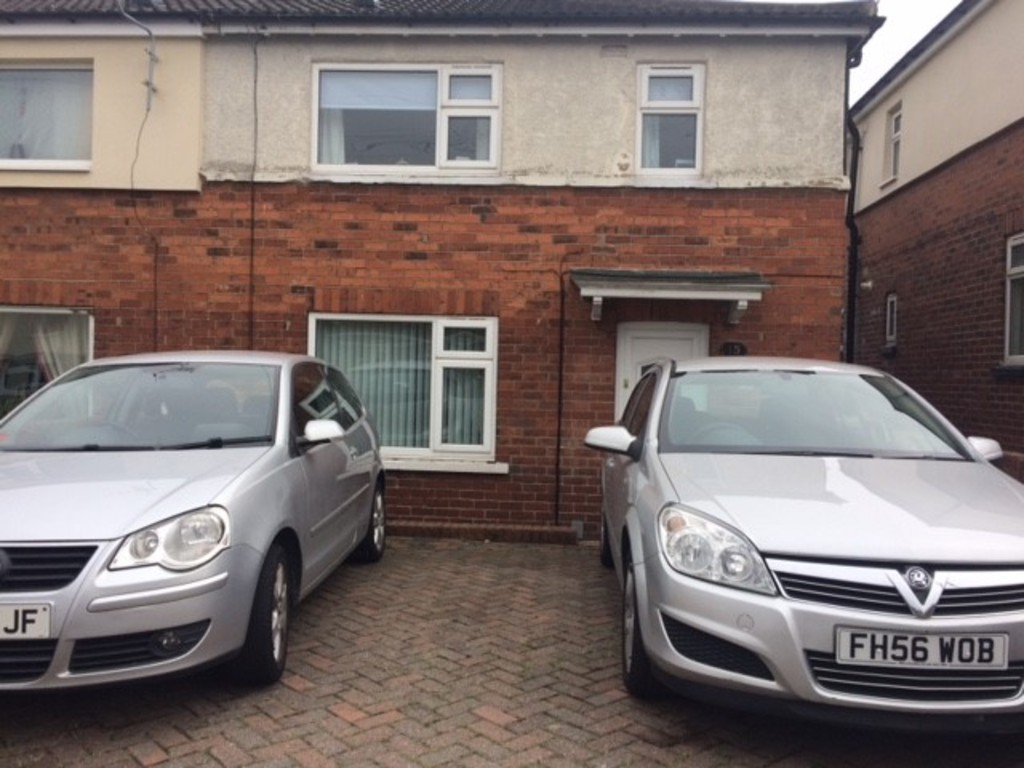 THREE BEDROOMS for rent in Greasbrough, Rotherham, S6