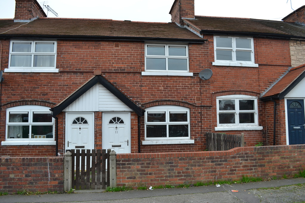 Two Bedroom Mid Terraced House for sale in Maltby, Rotherham, S6