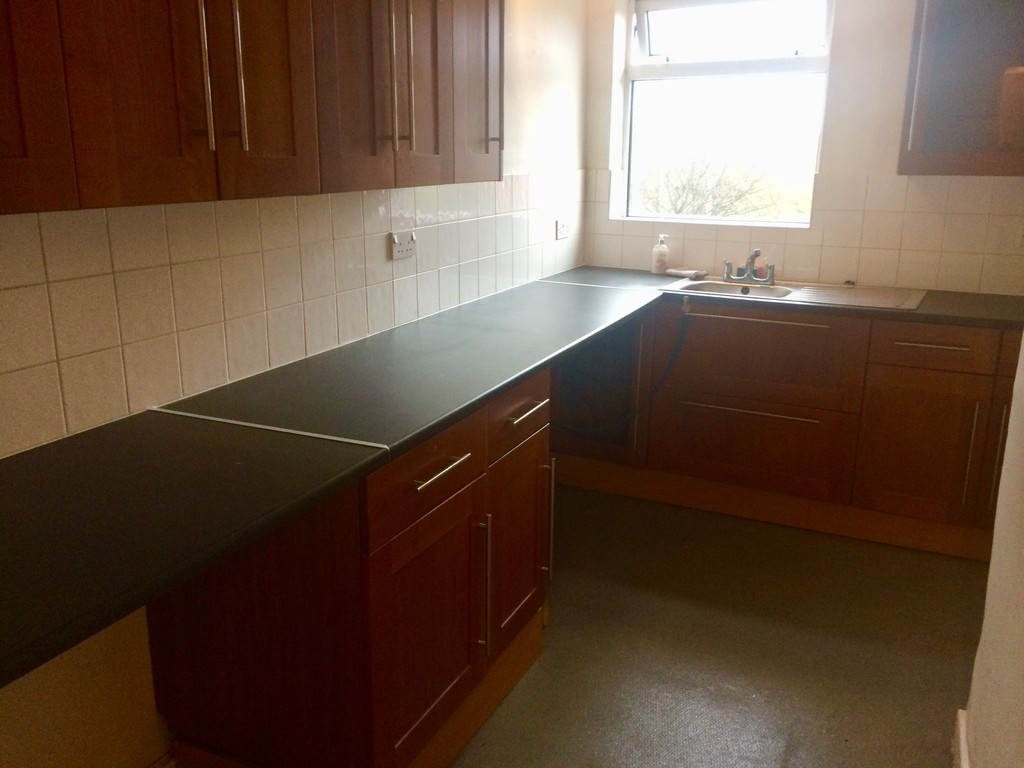 MODERN KITCHEN for rent in Wath-Upon-Dearne, Rotherham, S6