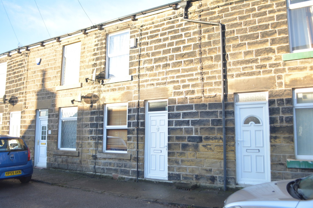 Two Bedroom Terrace for sale in High Green, Sheffield, S3
