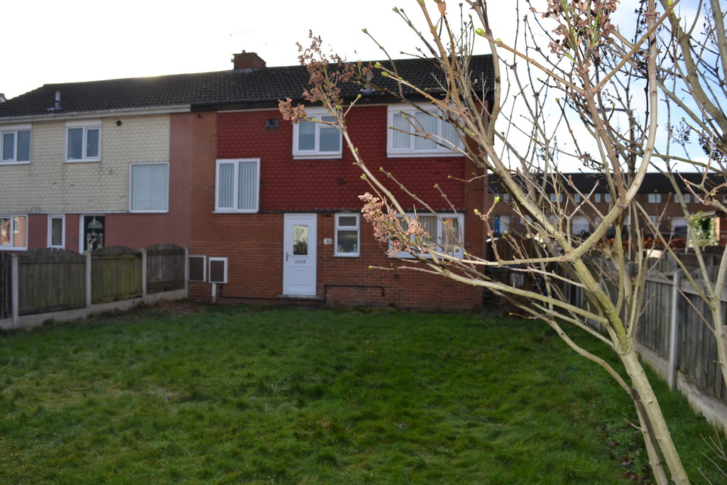 Three Bedroom Semi Detached for sale in Flanderwell, Rotherham, S6