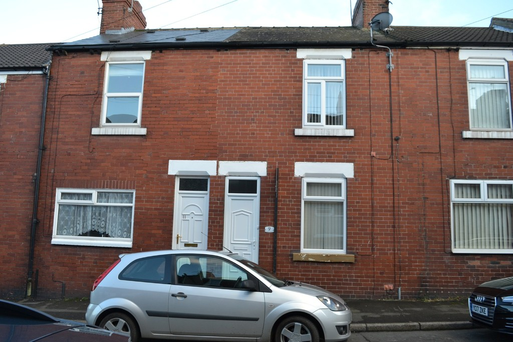 Two Bedroom Terraced House for sale in Rawmarsh, Rotherham, S6