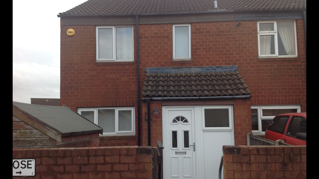 THREE BEDROOMS for rent in Flanderwell, Rotherham, S6