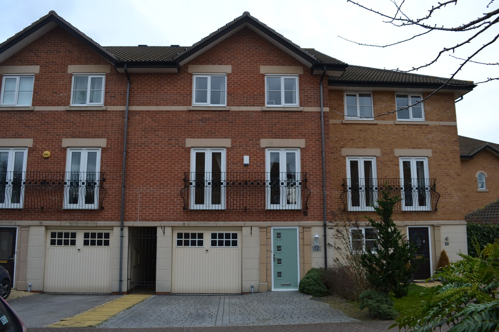 4 Bedrooms. for rent in Bramley, Rotherham, S6