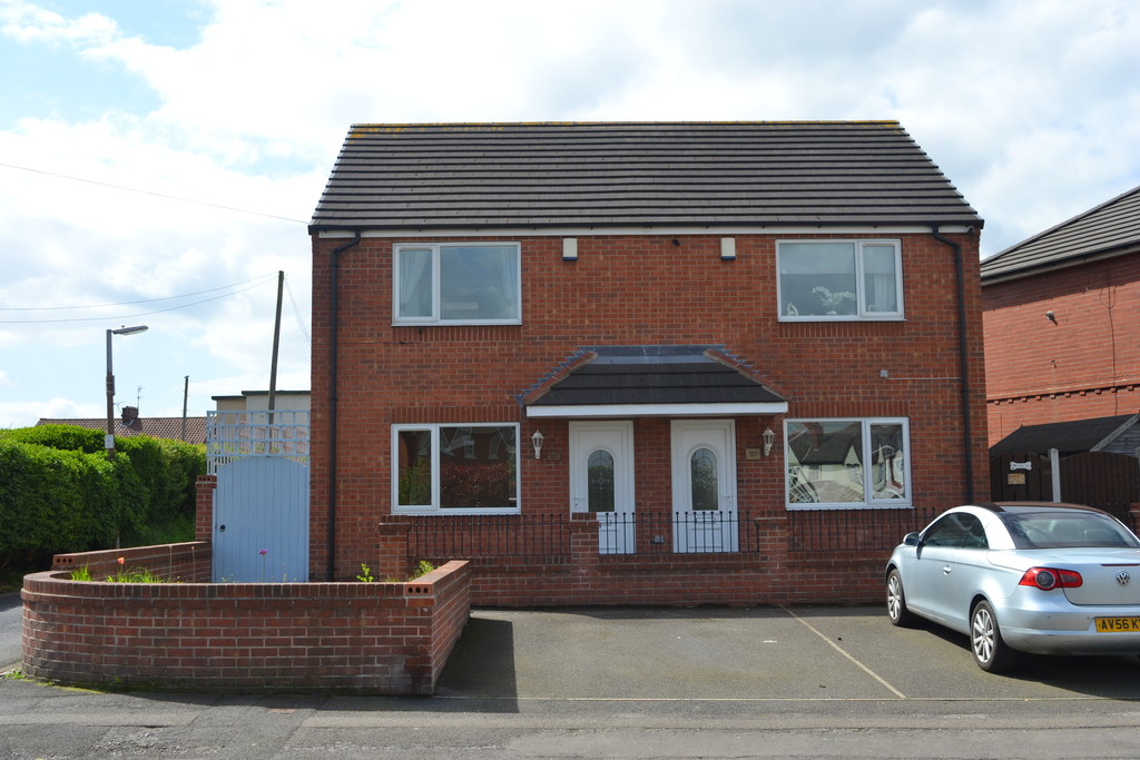 Modern Two Bed Semi for rent in Thrybergh, Rotherham, S6