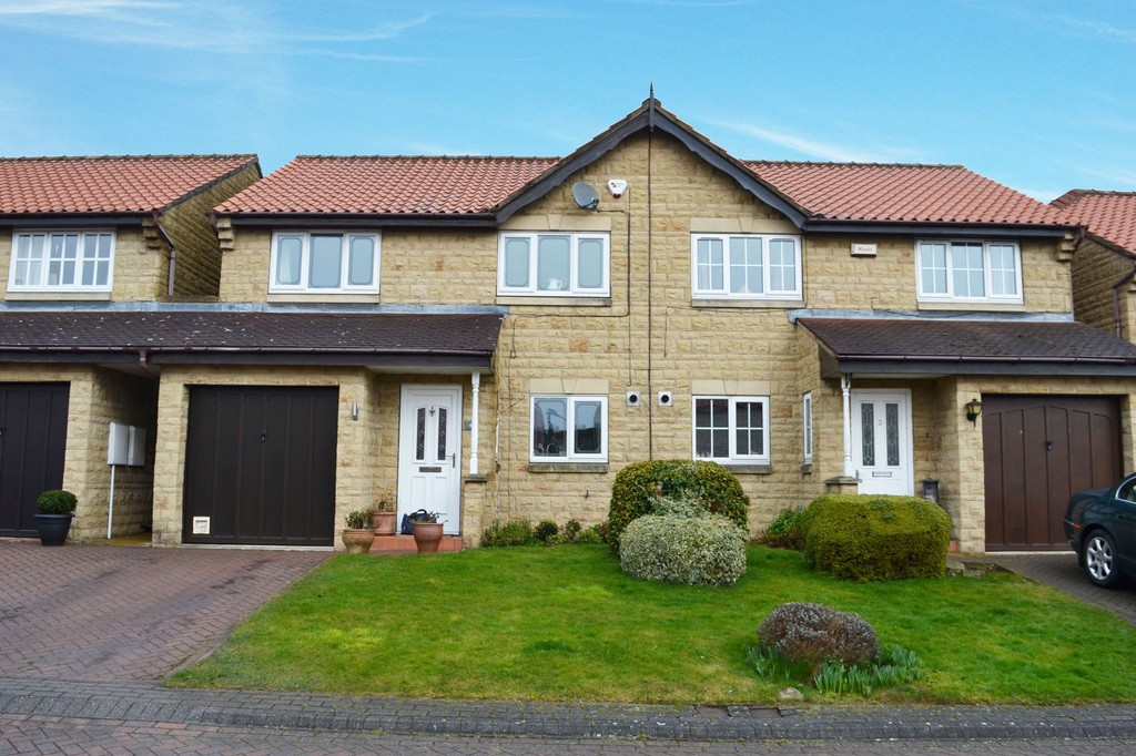 Three Double Bedroom Semi for sale in Braithwell, Rotherham, S6