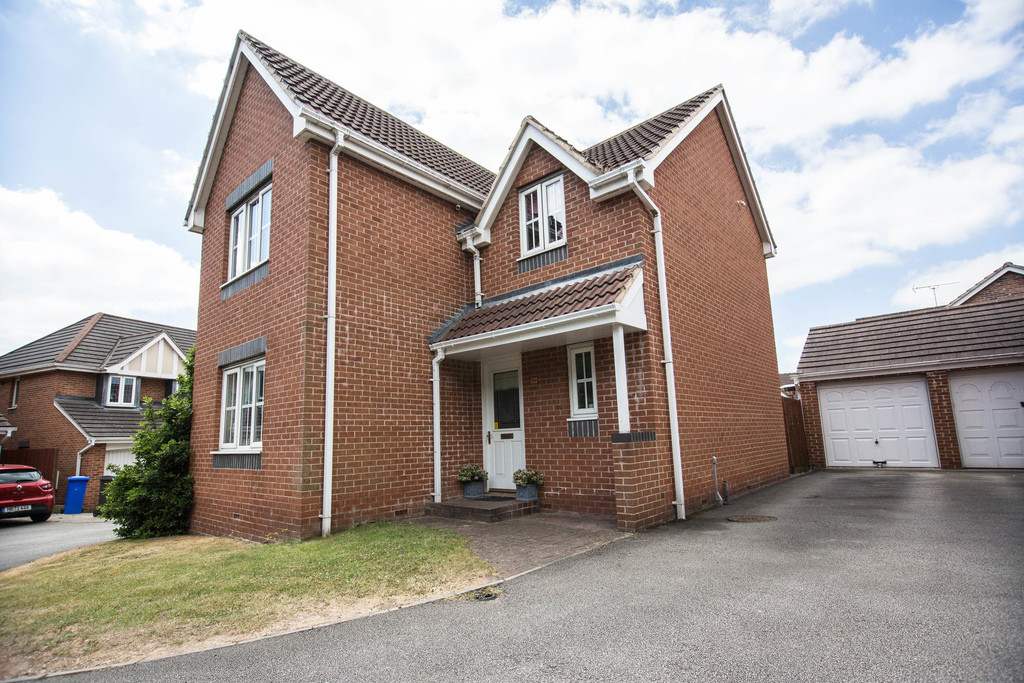 Four Bedroom Detached Residence for sale in Chapeltown, Sheffield, S3