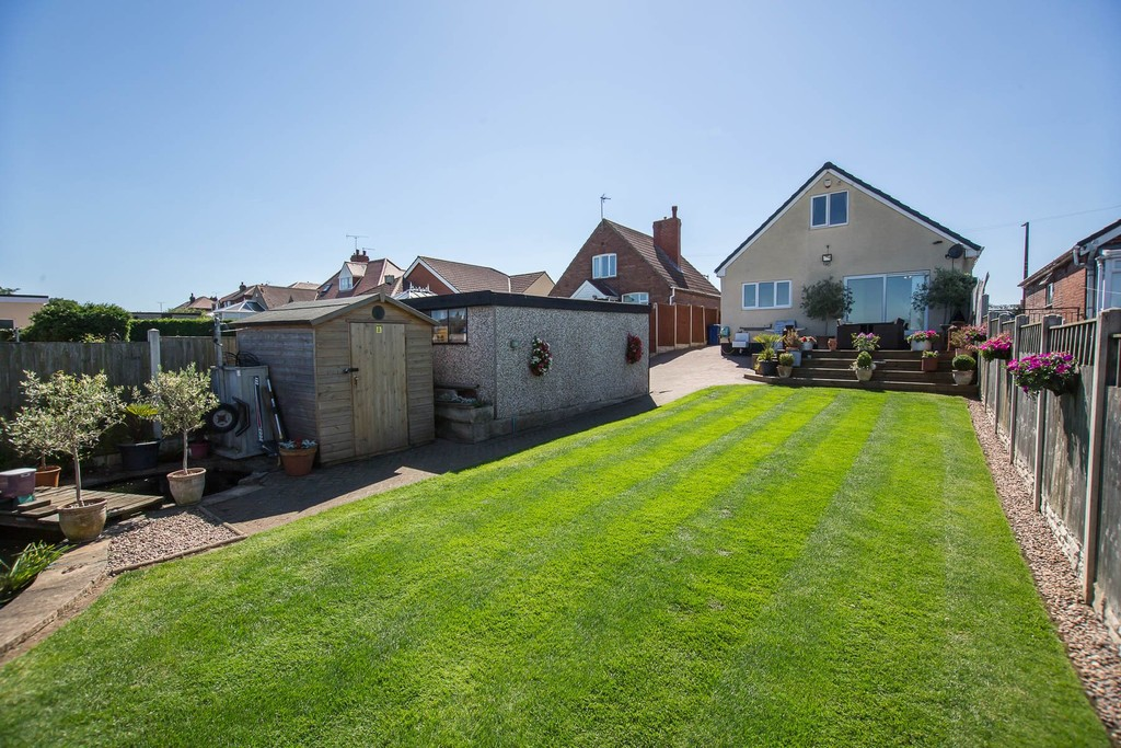 Four Bedroom Dormer Detached Bungalow for sale in Braithwell, Rotherham, S6