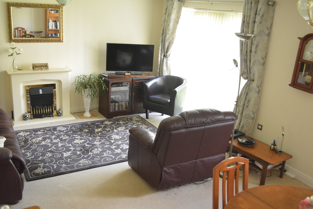 Two Bedroom Apartment for sale in , Sheffield, S8