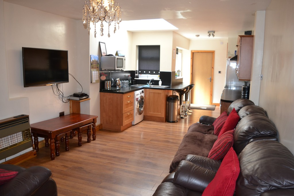Four Bed End Terraced for sale in , Rotherham, S6