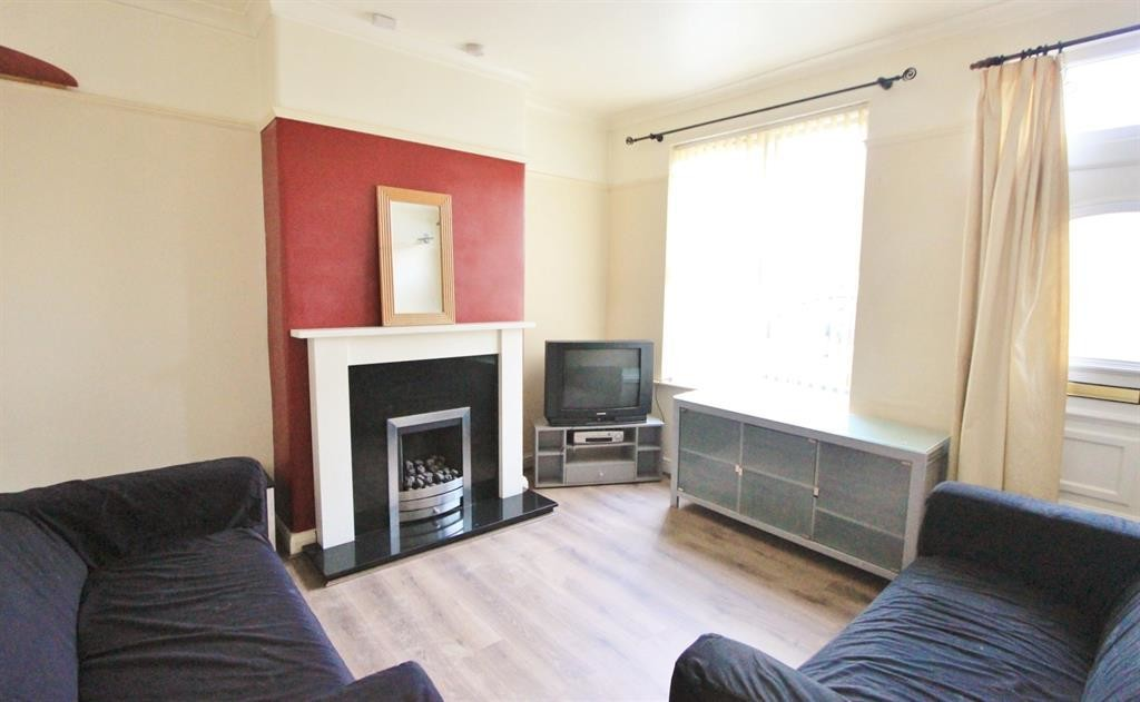 Three Bedroom Terrace for rent in , Sheffield, S2