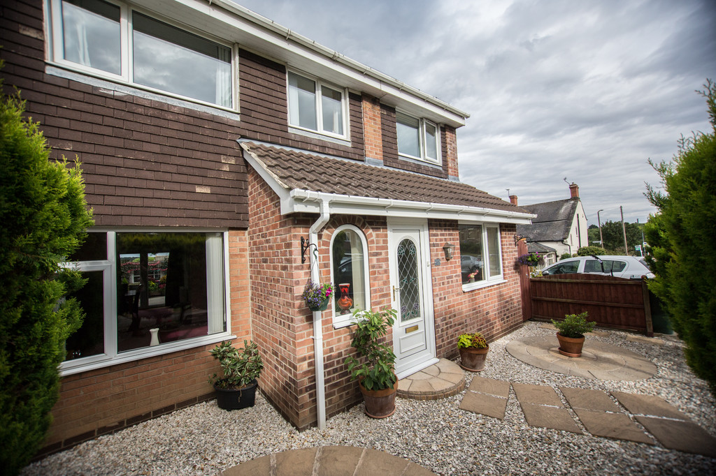 Five Bedrooms for sale in Thorpe Hesley, Rotherham, S6