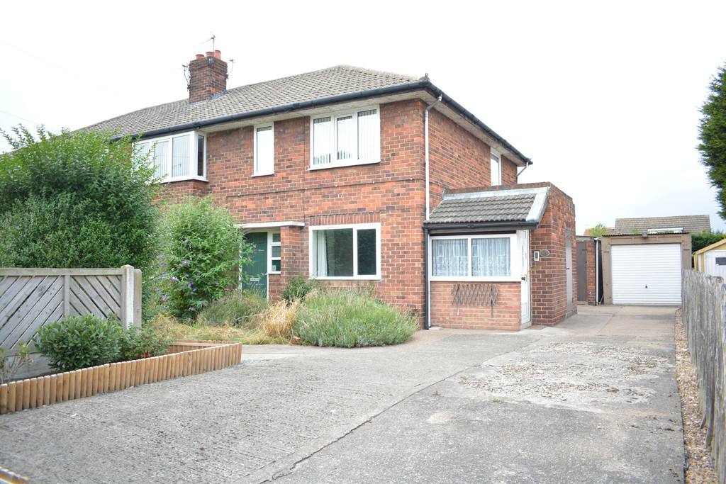 Ideal For First Time Buyers and Downsizers for sale in Fairburn, Knottingley, WF