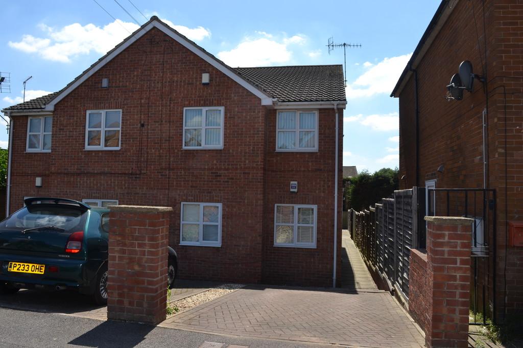 First floor maisonette for rent in Aston, Sheffield, S2